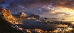 Magical Sunrise (Ral Podadera Sanz) Tags: sunrise sunset magical mountain sea ocean colour reine lofoten islan travel norway noruega panoramic panoramica colores amanecer islaslofoten