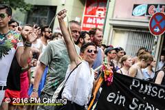 X*CSD 2016 - Yalla auf die Strae! Queer bleibt radikal! / Yalla to the streets  queer stays radical!  25.06.2016  Berlin - IMG_5495 (PM Cheung) Tags: kreuzberg refugees parade demonstration queer polizei so36 csd neuklln 2016 christopherstreetday ausbeutung heinrichplatz flchtlinge rassismus sexismus homophobie xcsd diskriminierung oranienplatz transgenialercsd csdberlin m99 heteronormativitt tcsd berlincsd lgbtqi gentrifizierung oplatz pmcheung csdkreuzberg pomengcheung sdblock facebookcompmcheungphotography gerharthauptmannrealschule transgendern eincsdinkreuzberg mengcheungpo friedel54 yallaaufdiestrasequeerbleibtradikal kreuzbergercsd2016 yallatothestreetsqueerstaysradical christopherstreetday2016 euro2016fussballem 25062016