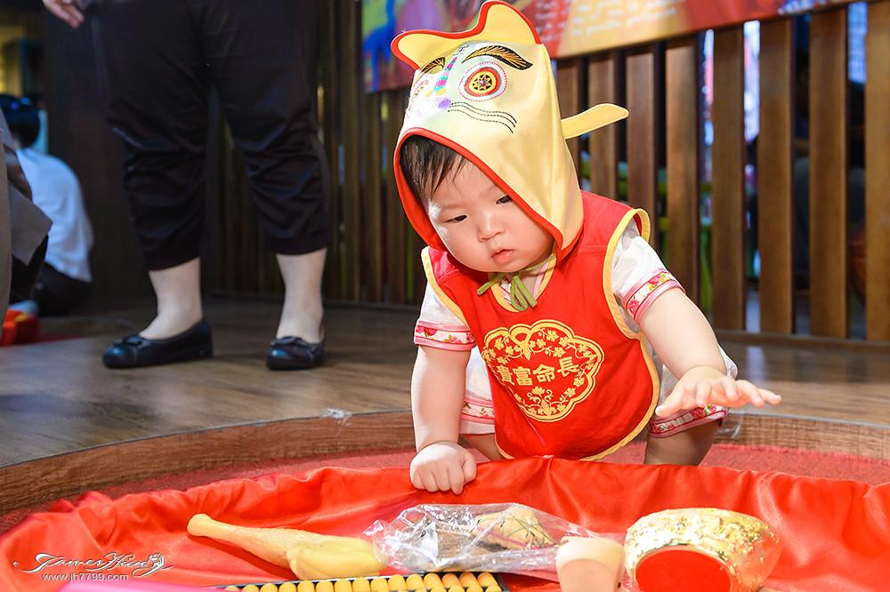 兒童抓周,兒童寫真價格,寶寶攝影,寶寶寫真,親子攝影,全家福合照,寶寶居家寫真,宜蘭傳統藝術中