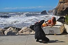 Rubando foto al fotografo...e aspettando l'onda anomala (perch noi ci abbiamo la cazzimma!) (iana) Tags: campania fotografo pontile modella campiflegrei fusaro torregaveta ondaanomala tuttifotografanotuttiormai