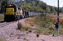 Labor Day 9 (GRNDMND) Tags: trains iowa fans councilbluffs coaltrain cnw chicagoandnorthwestern