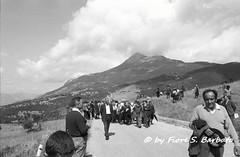 Viggiano (PZ), 1976, Festa della Madonna di Viggiano sul Sacro Monte. (Fiore S. Barbato) Tags: italy madonna basilicata potenza monte festa sacro lucania viggiano