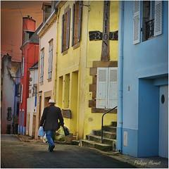 Douarnenez - Finistère 2013 (Philippe Hernot) Tags: douarnenez finistère 29 bretagne france philippehernot kodachrome carré square mygearandme breton rue street city ville nikond700 nikon posttraitement