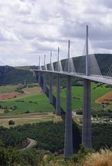 Pont de Millau (Spiterman) Tags: bridge viaduct pont tarn dart a75 routier millau viaduc aveyron vallée cablestayed viadukt suspendu ouvrage eiffage haubans virlogeux