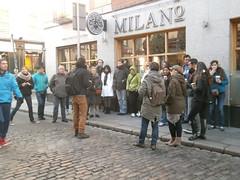 Spanish Tourists, Dublin (Robinson_Luzo) Tags: street ireland people dublin color students milano tourists spanish visitors templebar restraunt