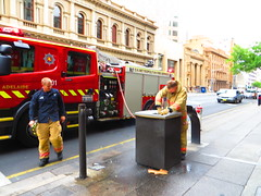 Scania fire truck 201 (RS 1990) Tags: red truck fire melting december 1st sunday engine adelaide southaustralia scania 201 mfs wheeliebin extinguishing 2013 metropolitanfireservice curriest