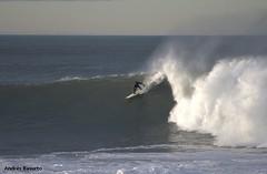 Surfeando en Deba (andresbasurto) Tags: surf enero deporte olas deba gipuzkoa 2014 surfista sorgin andresbasurto oladerecha sorginzulo robertoletamendia olasorginzulo