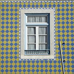 Ventana de Lisboa (John LaMotte) Tags: lisboa lisbon lisabon ventana window azulejos tiles fachada janela mygearandme mygearandmepremium mygearandmebronze ilustrarportugal