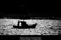 729_NSC_5843_bis_San_Vito (Vater_fotografo) Tags: seascape barca tramonto mare barche porto pesca bianconero sicilia controluce pescatore pesce sanvitolocapo sanvito pescatori ciambra salvatoreciambra clubitnikon vaterfotografo
