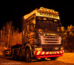 McFadyen's Scania R620 8x4 with Nooteboom Telestep (Jack,Shepherd) Tags: nikon argyll scania campbeltown 8x4 heavyhaulage mcfadyens r620 nooteboom d3000 skiachservices luichartiiwindfarm
