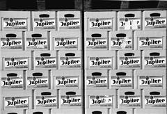 analog: Woche 7 (photo79.de - Sebastian Petermann) Tags: analog bier analogue ilford luik lige vise belgien entwicklung jupiler brauerei ilfordfp4 nikonf501 lttich 52weeks bierksten 52wochen jupilesurmeuse ruedevise flimdevelopment