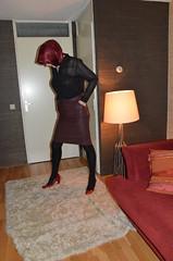 DSC_6514 (Ayse Veiled TV) Tags: leather headscarf hijab skirt blouse heels sheer hijabi seetrough esarp