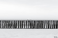 Dunkerquois_0516-137-2 (Mich.Ka) Tags: sea mer beach boat dune minimalism bateau nordpasdecalais plage minimalist nord ponton platierdoye grandfortphilippe dunkerquois