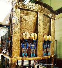 Tutankhamun's throne - Cairo Museum Egypt (Amberinsea Photography) Tags: egypt cairo throne tutankhamun cobras cairomuseum goldthrone amberinseaphotography thefourcobras