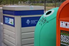 IMG_1750 (ladislaus_nim) Tags: basura contenedores reciclaje puntolimpio serviciosdelimpieza