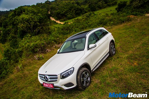 2016-Mercedes-Benz-GLC-6