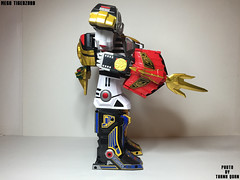 IMG69_1294 (ThanhQuan_95) Tags: dragon tiger legendary warrior mode legacy thunder mega bandai megazord zord tigerzord