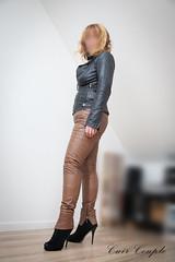 elle239 (Cuir Couple) Tags: leather bondage skirt bdsm master jacket jupe mistress veste leder matre pant pantalon cuero cuir hosen cravache maitresse martinet cuissardes