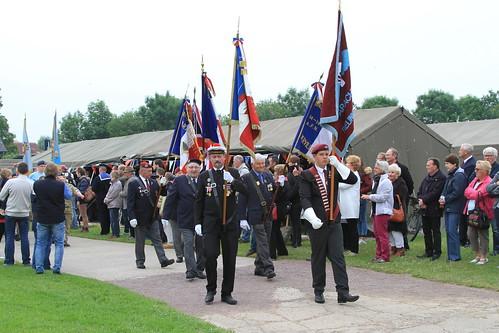 Défilé des vétérans à la Batterie de Merville