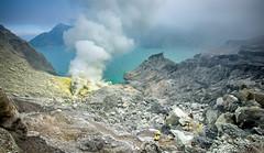 Ijen Crater View (Abdul Azis (ais) - www.aisprophotography.com) Tags: ijen east java indonesia crater mountain volcano active sulphur miner dust landscape nature trekking hiking asia