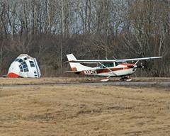 Cessna 182F Skylane (N3342U) Stands Guard (dlberek) Tags: sch cessnaskylane cessna182skylane ksch cessna182fskylane n3342u