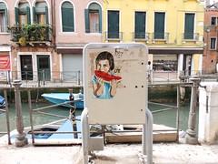 aum in Venecia (D11 Urbano) Tags: boy italy art girl poster stencil italia arte venezuela nios caracas urbano venecia venezolano arteurbano d11 streetartvenezuela artvenezuela d11streetart arteurbanovenezuela d11art d11urbano