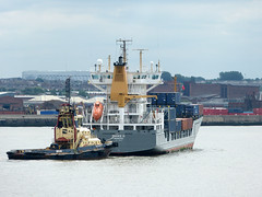 L2016_2814 - MAIKE D and MILLGARTH on the Mersey. (www.jhluxton.com - John H. Luxton Photography) Tags: leica uk england liverpool ship d tug maike containership rivermersey svitzer maiked millgarth irishseashipping johnhluxtonphotography drevinbereederung