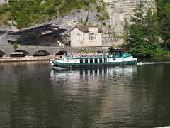 Cahors Tour boat (JP Newell) Tags: bridge river canal lock cahors midipyrnesregion