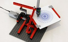 Simple Drawing Machine (JK Brickworks) Tags: lego mechanical drawing machine spirograph