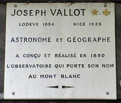 Joseph Vallot grave plaque, Pere Lachaise (Monceau) Tags: prelachaise josephvallot plaque alpinist astronomer geologist geographer
