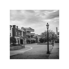 Front St Mall (Super Fuzz) Tags: ohio blackwhite grain deserted cuyahogafalls frontstreetmall