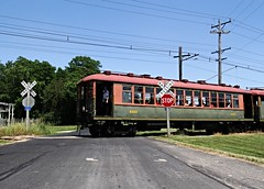 CTA 4453 at the Crossing (Laurence's Pictures) Tags: railroad chicago electric wisconsin train see do cta authority rail railway troy things tourist east transit commuter interurban rapid 4000