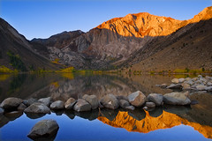 Convict Lake Sunrise (David Shield Photography) Tags: california morning mountain lake reflection sunrise nikon glow mammothlakes easternsierras convictlake laurelmountain davidshield