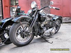 Motorrad Harley Davidson - Essen - Zeche Zollverein_164_2012-10-07 (linie305) Tags: oktober classic cars essen 7 harley moto motorcycle oldtimer davidson zollverein zeche 2012 motorrad youngtimer krad oldtimertreff motorfieds