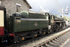 The Green Knight 75029 (mark_fr) Tags: santa new bridge black green beer robin station waterfall inn eric tit crossing erithacus five yorkshire 4 great north ale railway class pale special brewery level knight moors coal nuthatch bitter cropton lager chaffinch pickering goathland yorks the levisham fringilla coelebs grosmont nymr treacy ater europaea rubecula sitta keldy 5mt periparus 75029 45428
