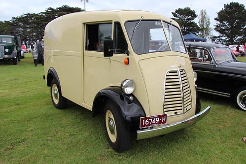 1957 Morris JB Van