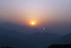Purple Morning (William J H Leonard) Tags: morning nepal sky sun mist mountain snow mountains sunrise skyscape landscape haze day valley nepalese pokhara nepali gandakizone kaskidistrict pokharavalley westerndevelopmentregion