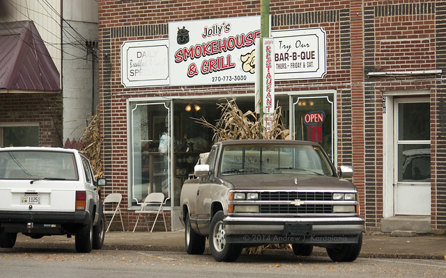 restaurant kentucky diner pickup suv opensign jeepcherokee cavecity chevroletck jollyssmokehousegrill