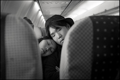 Above the clouds, 2014 (toshiki kamei) Tags: life street people blackandwhite bw 35mm couple streetphotography snap plain toshiki x100s vision:sky=0825 vision:clouds=0543
