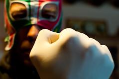 UNE MAIN DE VELOUR DANS UN GANT EN LATEX C'EST nARCOTO! (nARCOTO) Tags: king fisting