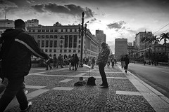 While My Guitar Gently Weeps (JAIRO BD) Tags: brazil brasil downtown sopaulo centro sampa sp centro jbd