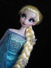 Elsa (sh0pi) Tags: snow frozen inch doll disney queen le 17 limited edition elsa disneystore puppe ausgepackt limitiert vllig deboxed unverfroren eisknigin