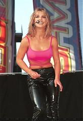 Britney Spears in vinyl pants (Plastic Fashion Queens) Tags: music fashion pants spears vinyl plastic singer trousers britney pvc