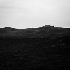 Dunes (Marius Brede) Tags: strand canon wasser dunes dune 7d sw lowkey dnen schwarzweis lookslikefilm canon7d schwarzundweis sigma35mm14