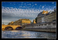 Pa - Paris_Pont Saint-Michel (ferdahejl) Tags: saintmichel pa parispont