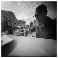 Il solito selfie (pinhole) (danielesandri) Tags: kodak pinhole biancoenero autoscatto lisbona portogallo selfie pinkiev