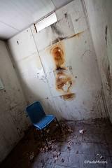 Un angolo di purgatorio (paolaji) Tags: park parco abandoned chair rusty creepy greenland lunapark sedia disagio abbandonato decadenza limbiate