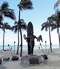(Mitchell Lafrance) Tags: travel vacation usa holiday beach hawaii oahu pacificocean waikikibeach 2014 dukekahanamokustatue