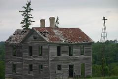 IMG_0135 (sabbath927) Tags: old building broken scary empty haunted creepy used abandon haloween tired worn fallingapart unused lonley souless