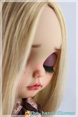 IMG_8407 (TheFlower Blythe) Tags: art ooak blythe artdoll blythedoll customblythe blythecustom customblythedoll blytheworld ooakblythe artblythe blythedollcustom ooakcustomblythe thehandflower ooakblythecustom